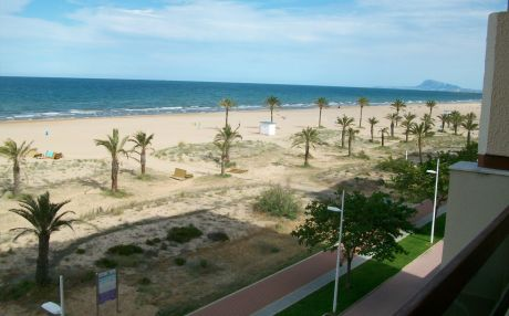 Apartment for 9 people in Grade Gandia