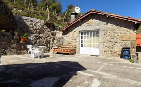 Cottage for 2 people in Gerês