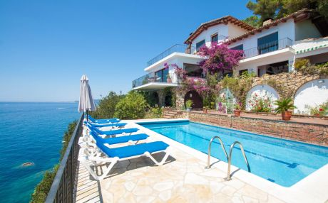 Villa for 14 people in Lloret de Mar