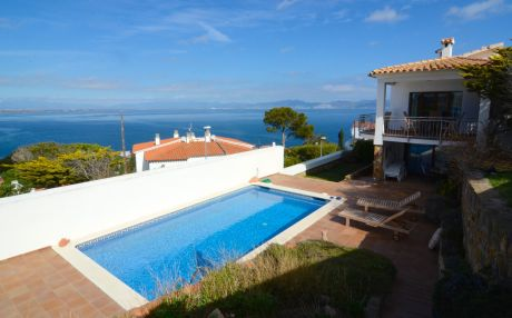Villa for 12 people in L'Escala