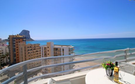 Apartment by the sea for 5 people in Calpe