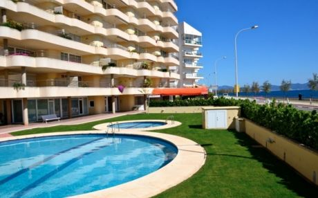 Apartment for 6 people in Escala