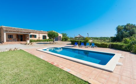 Cottage for 4 people in Son Serra de Marina