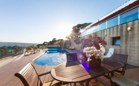 Beautiful villa for 8 people in Begur