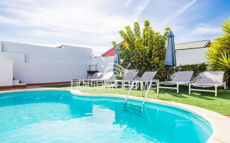 Villa with pool for 9 people in Corralejo