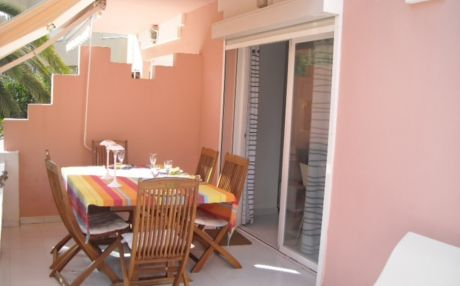 Apartment in urbanization for 4 people in Denia