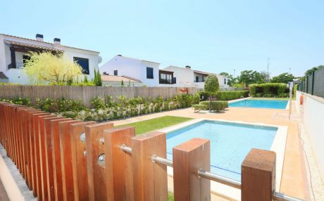 House with garden for 5 people in Cambrils