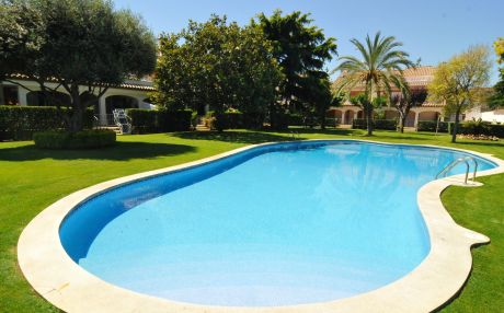 House with garden for 12 people in Pineda de Mar