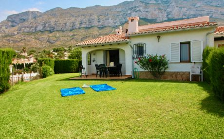 Bungalow for 4 people in Denia