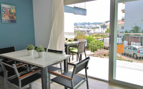Apartment by the sea for 6 people in Palamós