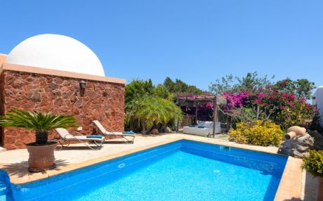 Villa for 6 people in Santa Eulalia del Río