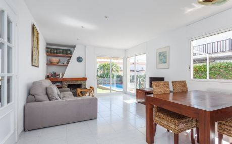 Residential villa for 6 people in Sitges