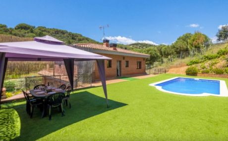 Villa for 12 people in Calella