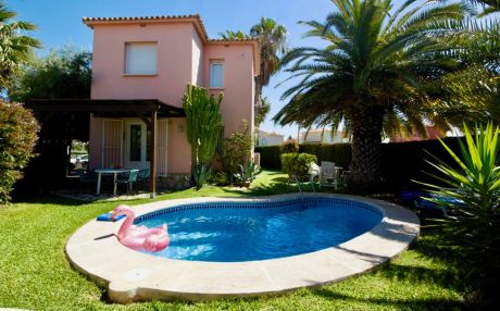 Villa for 4 people in Oliva