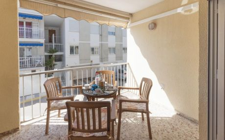 Apartment for 7 people in Oliva