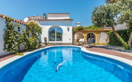 House with garden in Empuriabrava for 6 persons