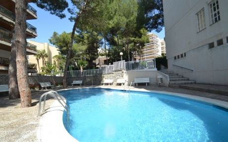 Apartment by the sea for 5 people in Salou