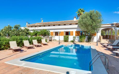 Villa for 8 people in Sa Pobla
