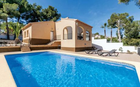 Villa for 6 people in Moraira
