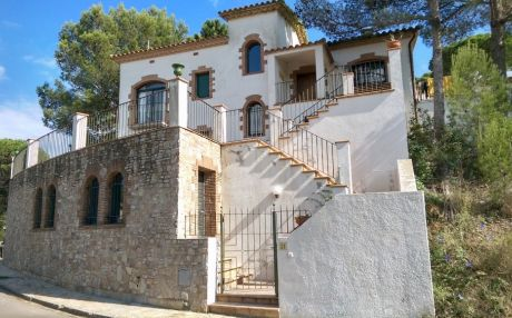 Residential house for 6 people in Begur