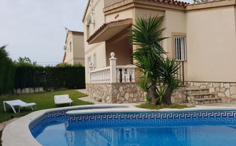 Villa for 9 people in Ametlla