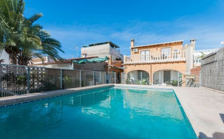 Villa for 8 people in Oliva