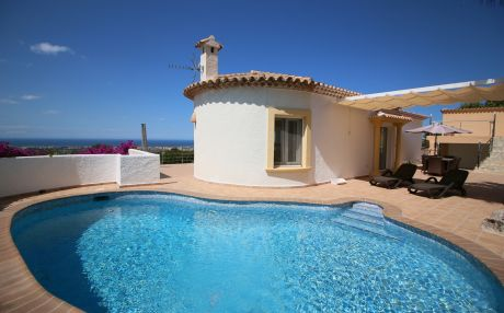 Villa for 6 people in Denia