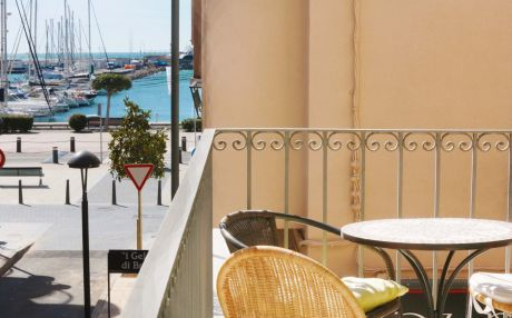 Apartment by the sea for 5 people in Cambrils