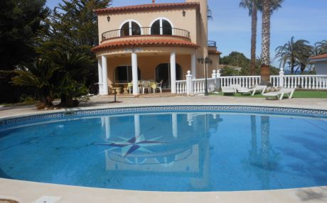 Villa for 14 people in Ametlla