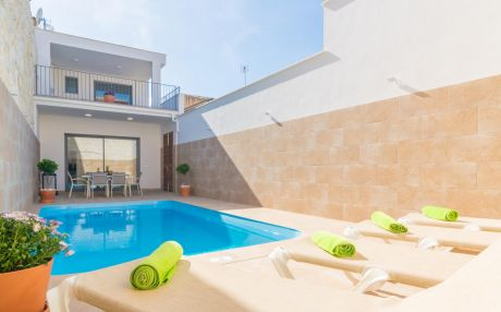 Villa for 6 people in Sa Pobla