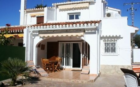 Chalet for 6 persons in Denia