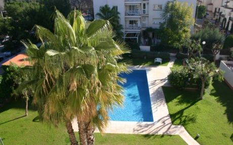 Bright apartment for 6 people in Sitges
