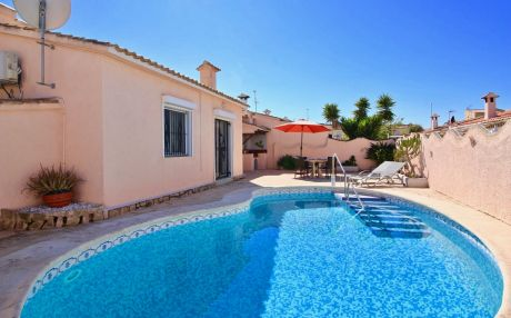 Chalet for 4 persons in Denia
