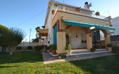 Chalet for 8 people in Cambrils