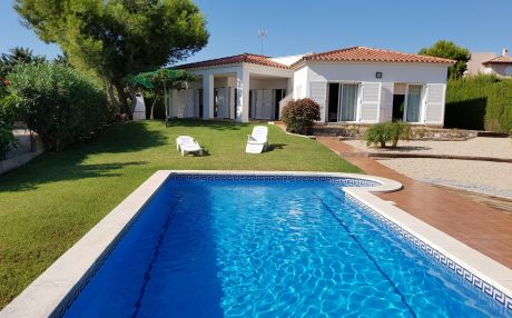 Villa for 11 people in Ametlla