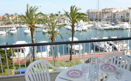 Apartment for 5 people in Empuriabrava