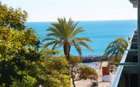 Beachfront apartment for 5 people in Cambrils