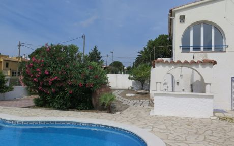 Villa for 4 people in Rosas / Roses