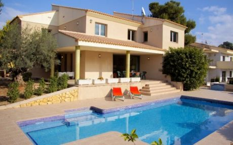 Villa for 12 people in Moraira
