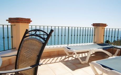Apartment for 4 people in Torrox