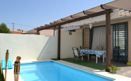 Bungalow for 4 people in Oliva