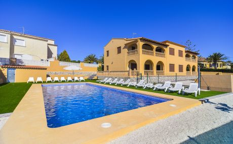 Villa for 24 people in Calpe