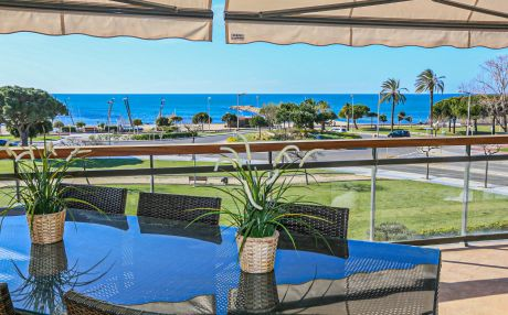Ideal family apartment for 9 people in Cambrils
