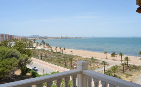 Beachfront apartment for 4 people in Playa Paraiso