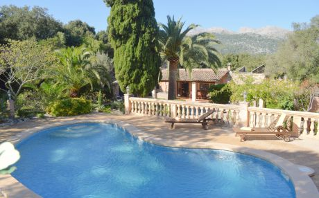 Finca for 10 people in Pollensa