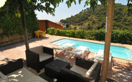 House beach view for 12 people in Santa Susana