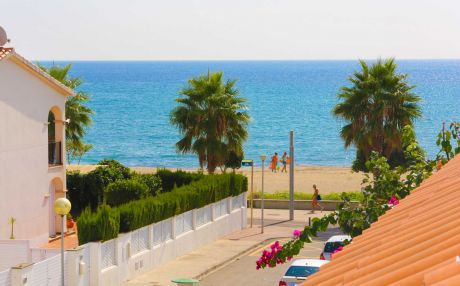 Quiet house for 8 people in Cambrils