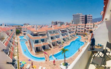 Beachfront apartment for 6 people in Playa de Las Americas