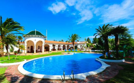 Villa for 14 people in Mont-Roig del Camp