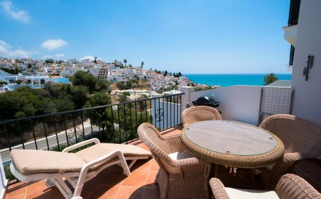 Apartment for 4 people in Nerja